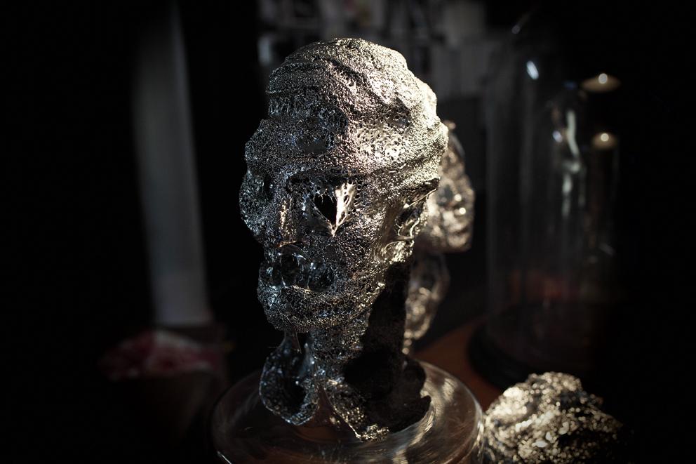Martin Eder Skulptur Asymmetrie