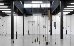 Alicja Kwade: Durchbruch durch Schwäche, 2011