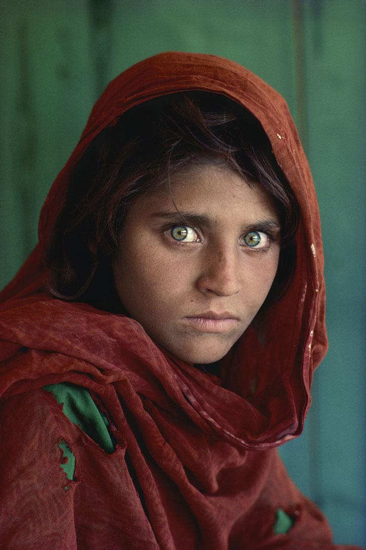 Steve Mccurry Afghanisches Madchen Peshawar Pakistan 1984 Artberlin De