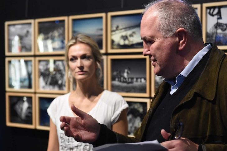 Kurator Mark Gisbourne & Mia Florentine Weiss
