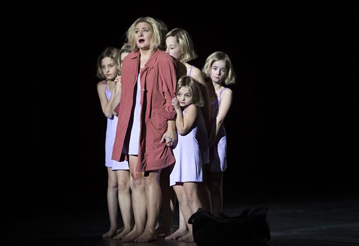 Feuriger-Engel-Komische-Oper