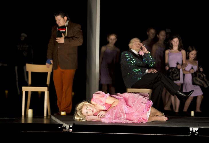Komische-Oper-Feuriger-Engel