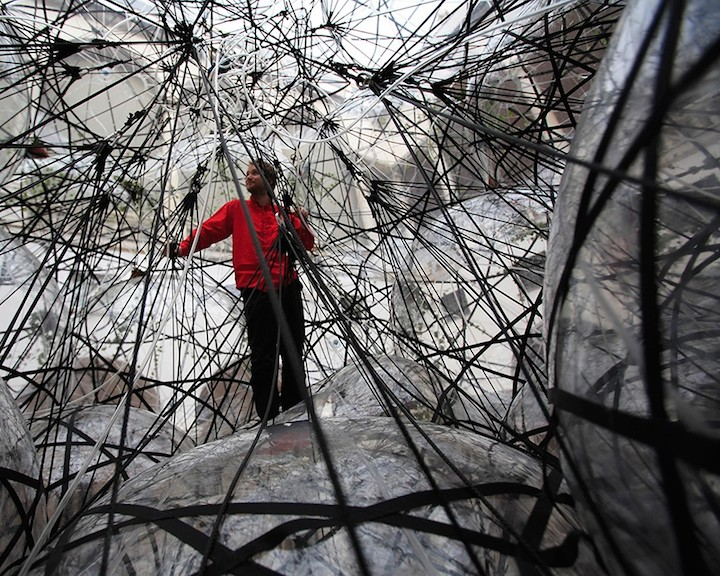 Tomas Saraceno's Biosphere: Flying Garden-Air-Port-City, 2007, courtesy of the artist