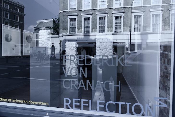 Reflections, Soloshow Frederike von Cranach in London, photo credit Martin Peterdamm