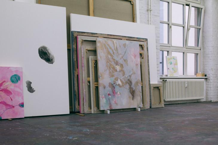Bilder der letzten Jahre im Atelier, Foto: Katrin Leisch