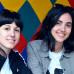 Helferinnen der d14 Performance am Kotzia Square: Xara und Marvina.