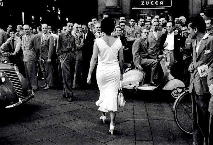 6_Mario De Biasi_Gli Italiani si voltano_1954_copyright Archivo Mario De Biasi