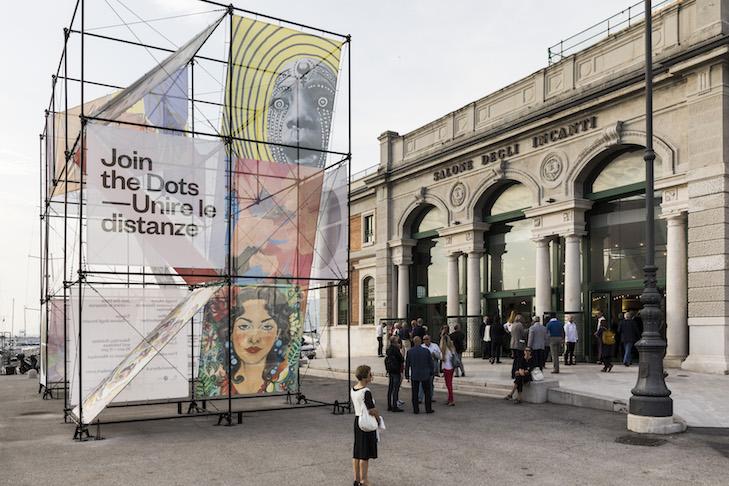 """Opening """"Join the Dots / Unire le Distanze"""" at  Salone degli Incanti"""
