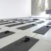 Silke Schwarz, Ode und Ich Installation, 2018, Image Credit © Silke Schwarz 18 Yogamatten, 18 Kopfhörer, Audio 8:15 min, loop 3 Bildschirme (Screensaver I-III), 1 Projektion (Wald)